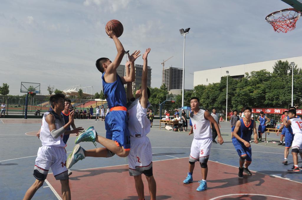 咸阳市第二届大学生篮球赛在我校圆满落幕